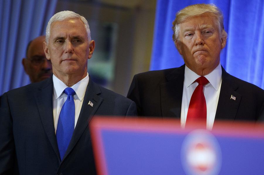 Шансы Трампа на политическое выживание повысились. Но импичмент нависает