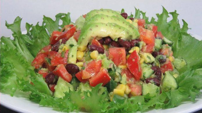 Легкий летний салат с обалденной заправкой