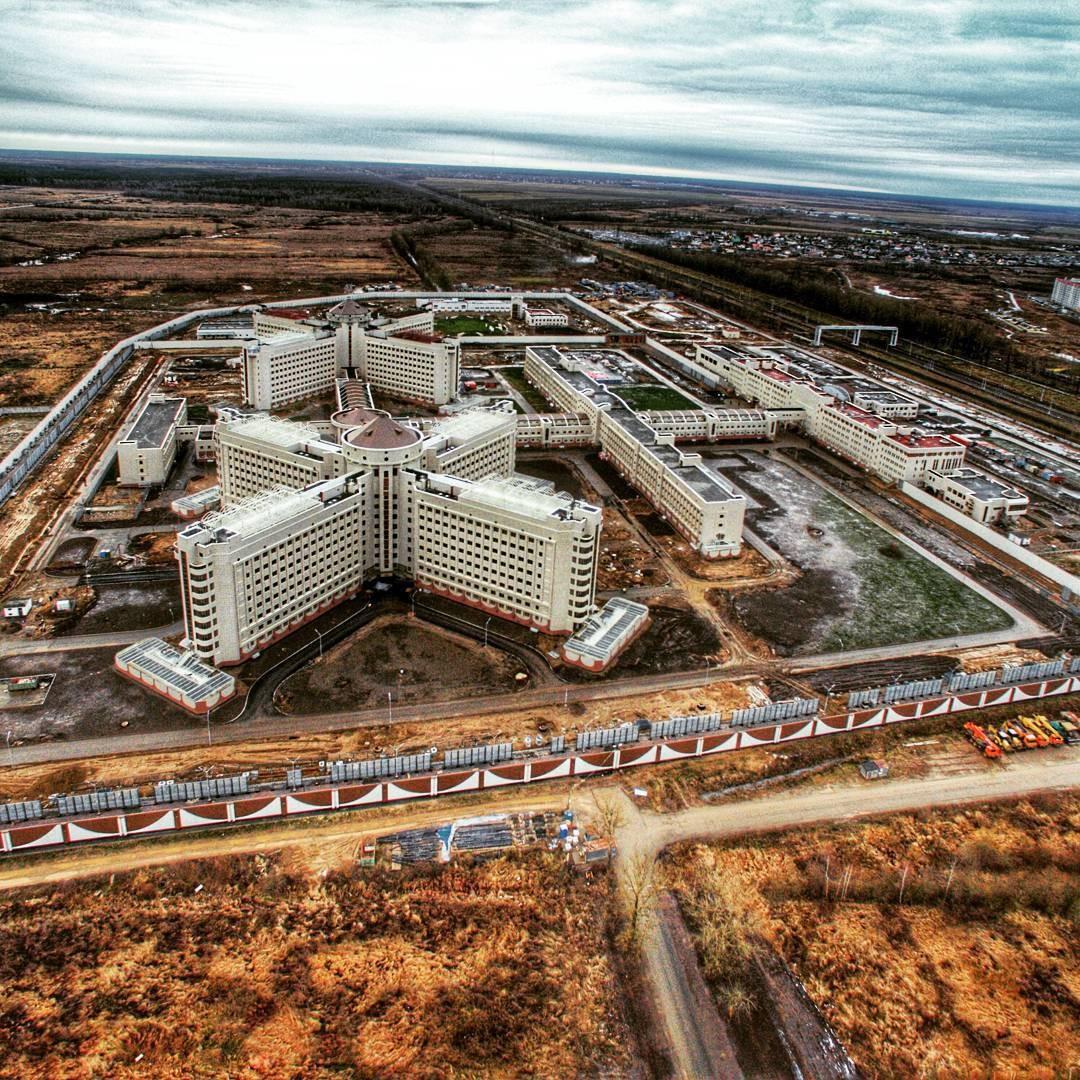 В Санкт-Петербурге при строительстве дороги к СИЗО из 16 миллионов украли больше 12