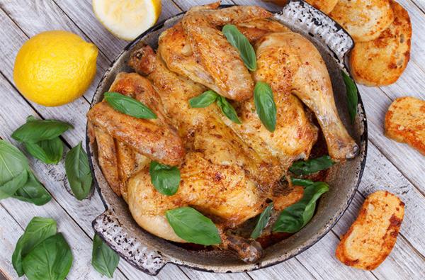 9 способов изменить вкус запеченной курицы