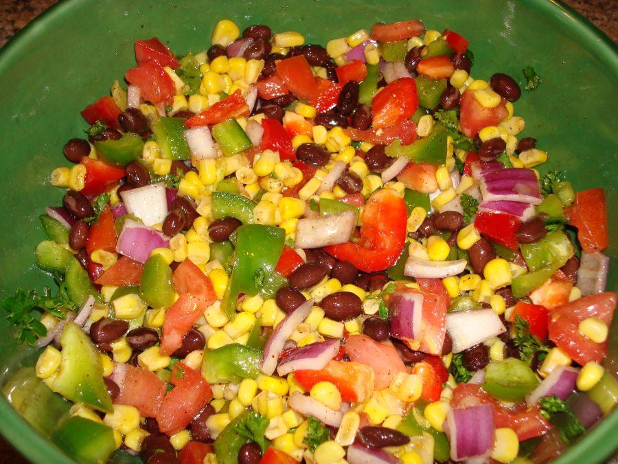 Салат с фасолью и консервиро…