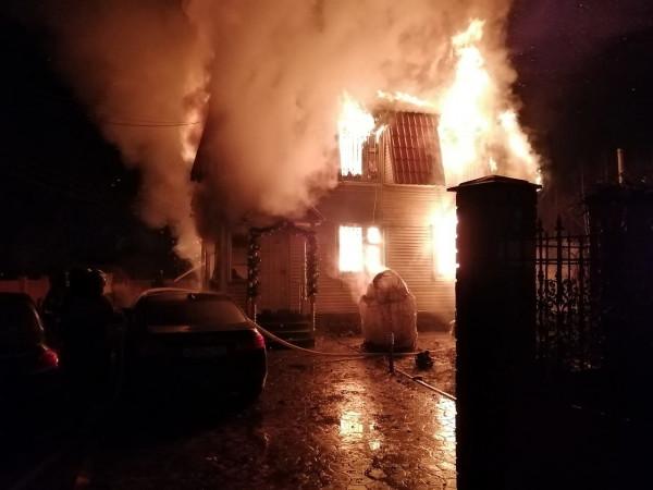 Во время пожара в частном до…