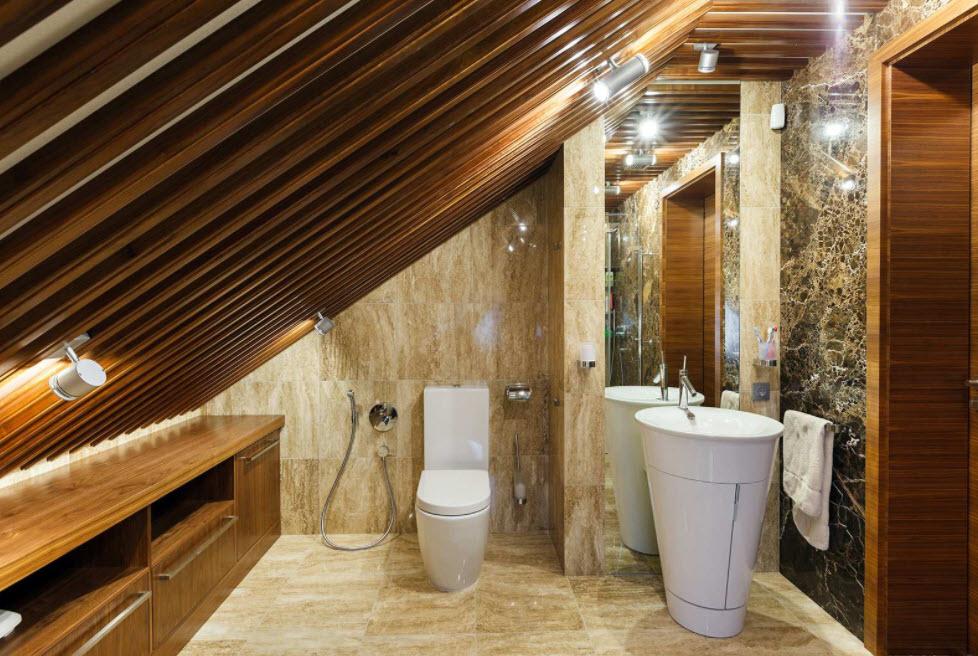 мраморная отделка стен в мансардном помещении