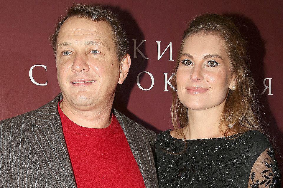 Актер Марат Башаров и его супруга Елизавета Шевыркова в октябре 2017 года.