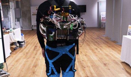 Panasonic разрабатывает гибкий экзоскелет, обтягивающий тело как вторая кожа