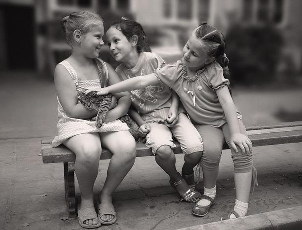 Дружба не может быть на всю жизнь. Друзья — это ботинки, из которых вырастают.