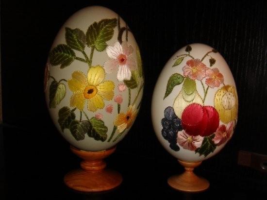 Творческий подход: поэзия на яйце