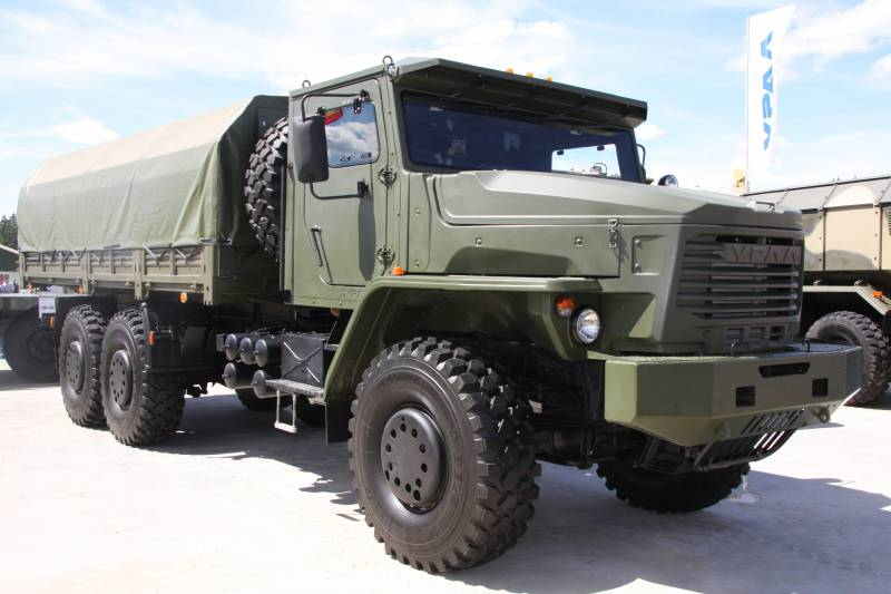 «Торнадо-У» – армейский автомобиль повышенной грузоподъемности
