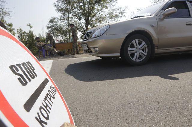 «Ездили и будем». Ради отдыха в Крыму украинцы стоят на границе по 13 часов