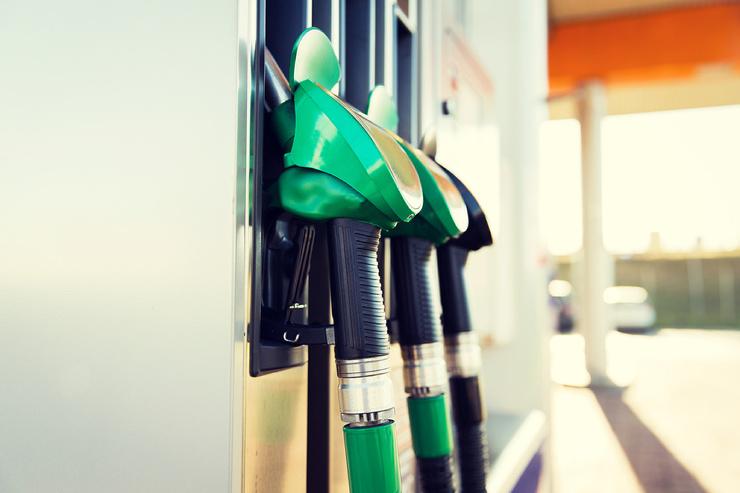 Ценам на бензин приказано по…
