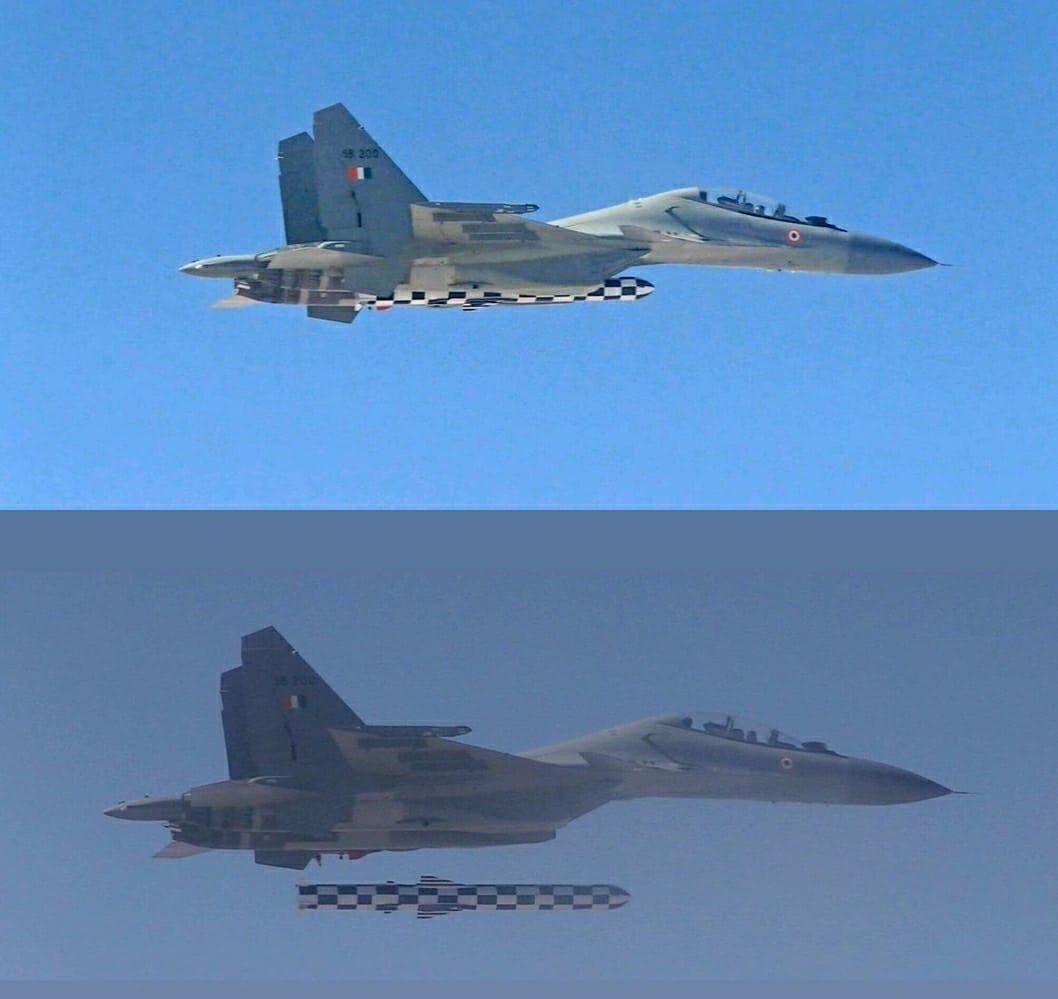 Первый запуск авиационной ракеты BrahMos-A с самолета Су-30МКИ в Индии