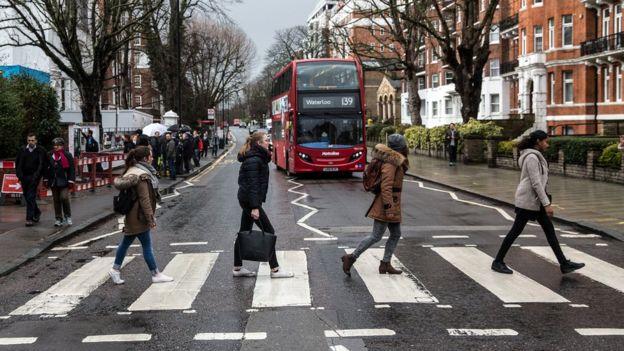 В Лондоне надеются решить проблему безопасного перехода с помощью 3D-«зебры»