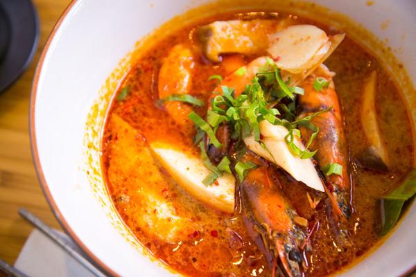 7 горячих азиатских супов для зимнего меню