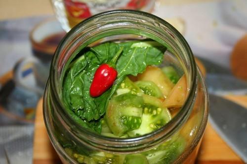 Консервируем зеленые помидоры: 5 рецептов засолки