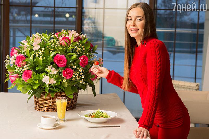 Уха из карася: рецепт от актрисы Юлии Михалковой