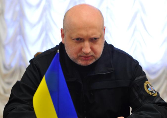 Киев грозит страшными карами прибывшей в Крым делегации