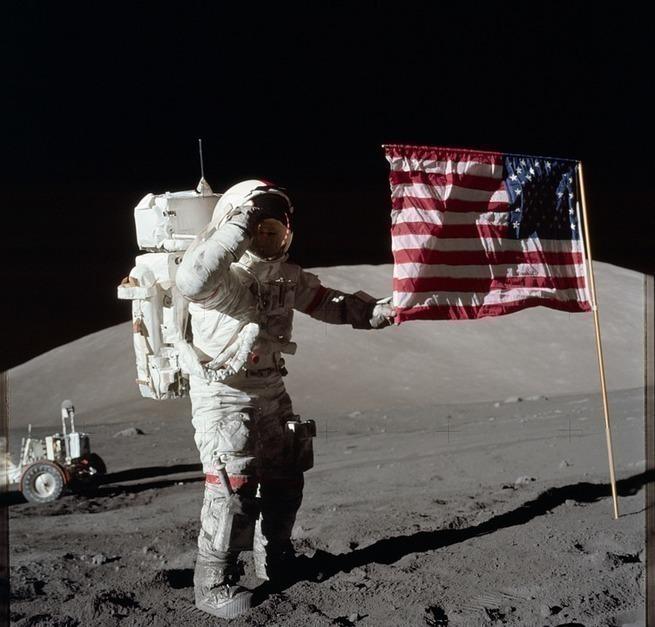 Всё тайное становится явным: американцы на Луне не были!