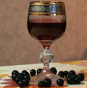 Любителям разного рода настоичек!  Хочу Вам предложить  отличный рецепт настойки на спирту из чёрной смородины