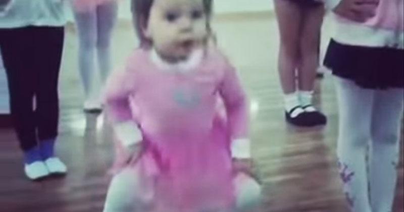 «То самое чувство, когда ты круче всех». Девочка показала класс на уроке танцев!