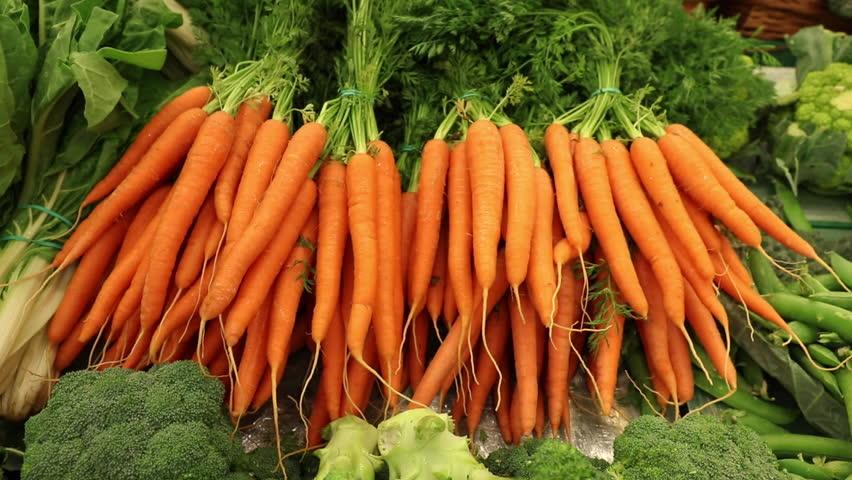 Необычный способ посадки моркови