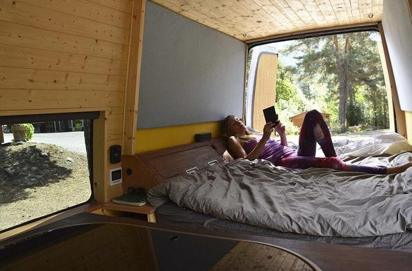 Скалолаз превратил свой фургон в стильный дом на колесах