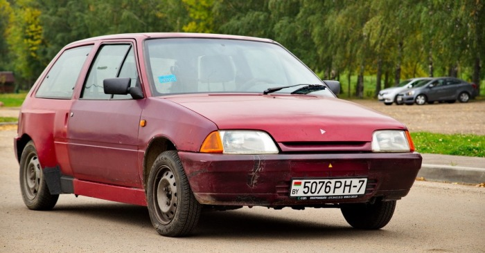 Белорус в гараже собрал электрокар для ежедневных поездок и больше не разоряется на бензине