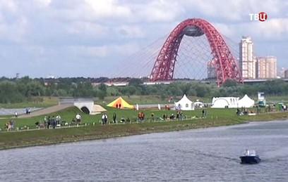 Жириновский принял участие в турнире по любительской рыбалке