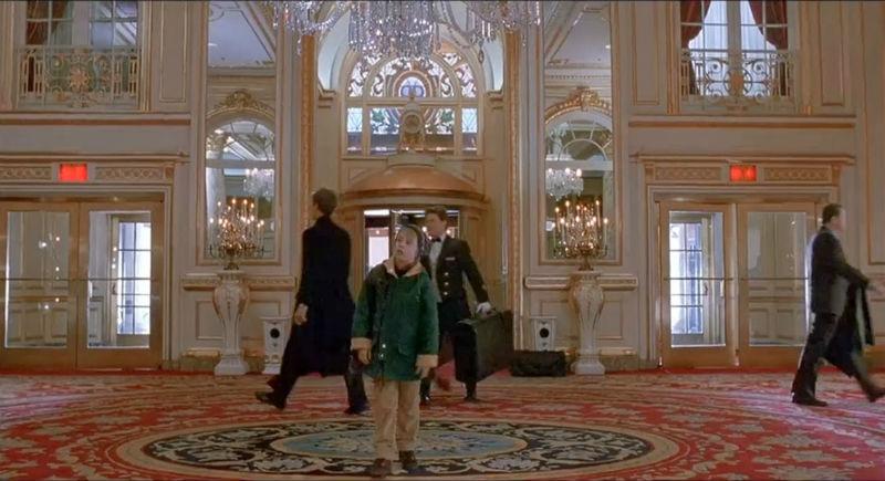 К 25-летию «Один дома 2» в отеле Plaza воссоздали атмосферу фильма