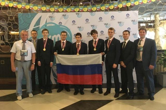 Умницы умники! Российские школьники - лучшие в мире по физике и химии