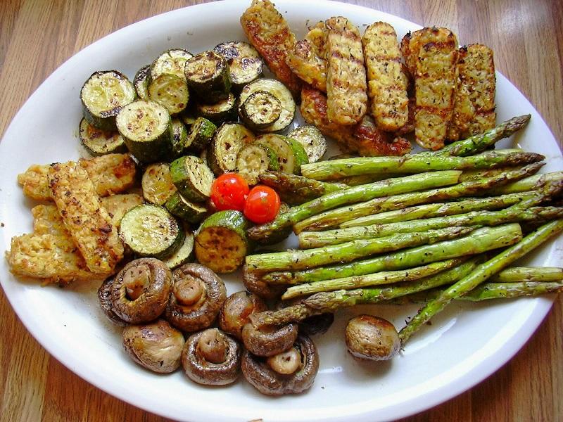 Овощи барбекю дома портал для электрокамина chamonix