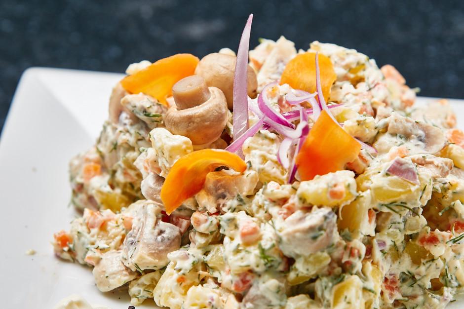 салат из маринованных шампиньонов рецепты