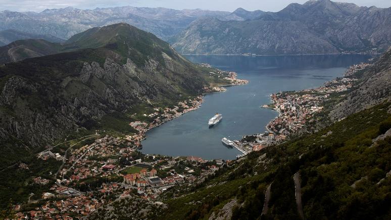 Обидевшись на Черногорию, Москва пустила в ход новейшее «оружие» — турпотоки, пишет Le Temps