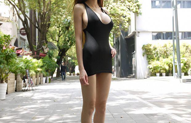 спортивные женщины нагнувшись в юбках на каблуках фотоальбомы