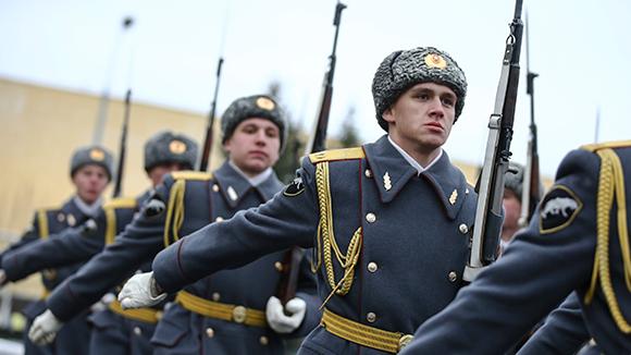 23 февраля-это не русский праздник: День защитника Отечества могут перенести на август