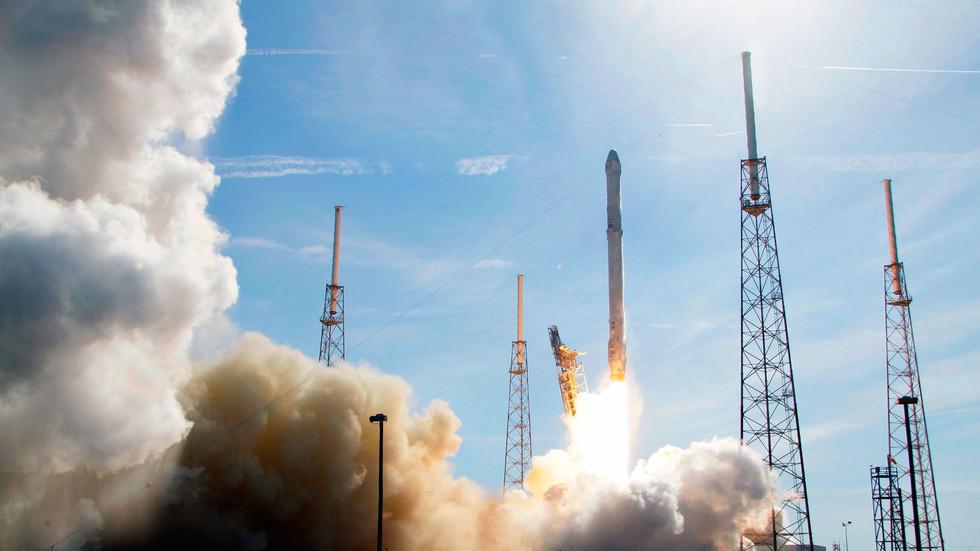 """Первый успешный запуск многоразовой ступени — контрольный выстрел в """"Роскосмос""""?"""