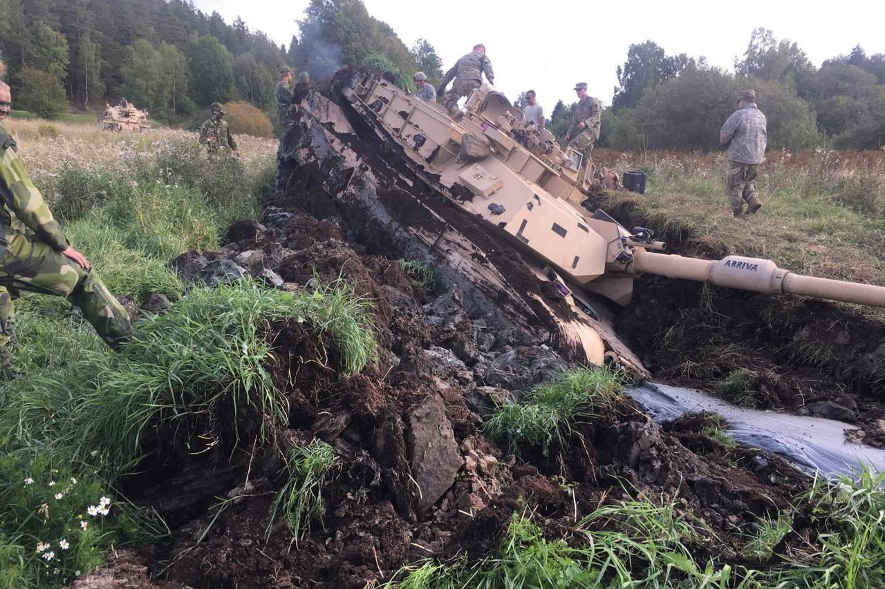 Abrams в грязи