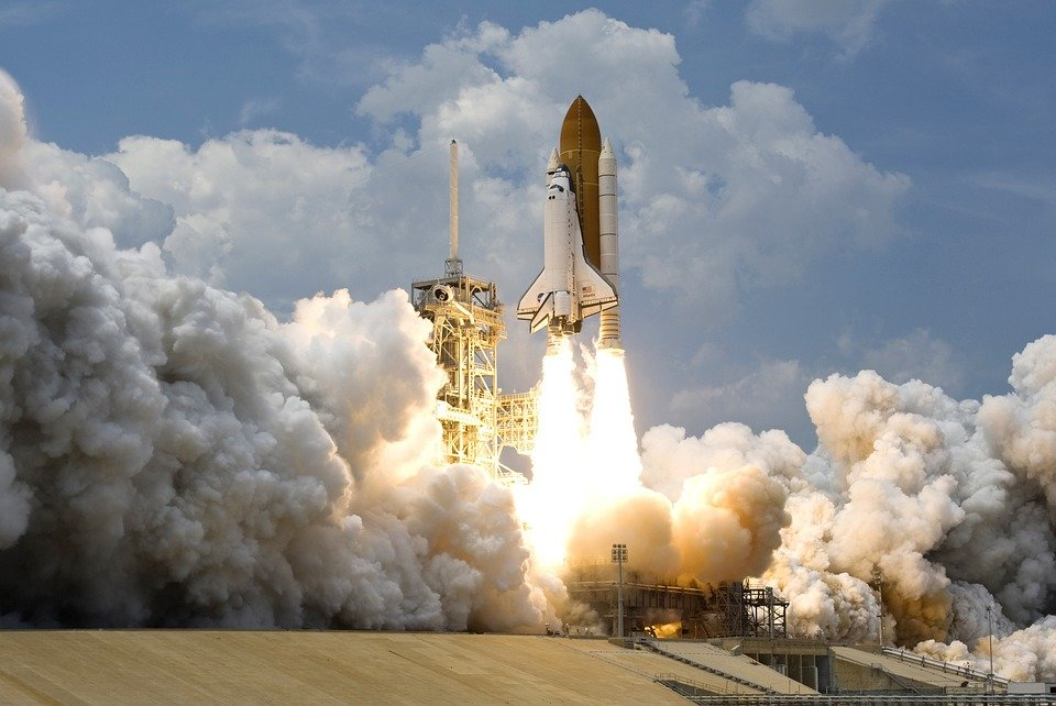 В Сети появилось видео падения ракеты Falcon 9 в океан
