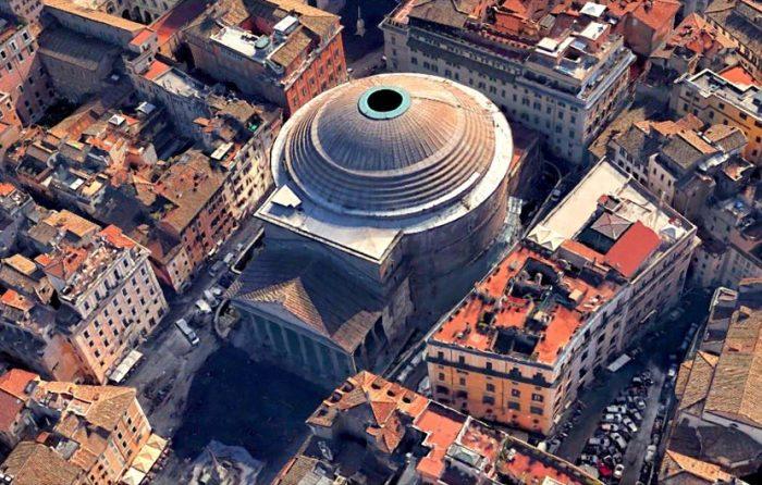 В римском Пантеоне нет ни одного окна, свет проникает через отверстие диаметром 6 м, созданном на вершине уникального купола.   Фото: putidorogi-nn.ru.