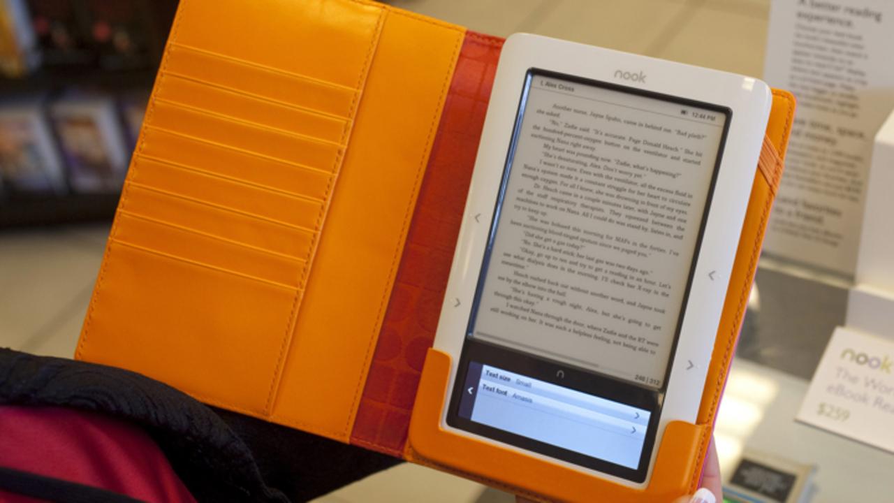 Чем удобна электронная книга для пожилого человека