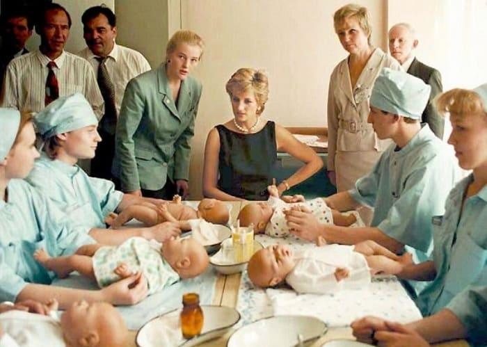 Леди Ди в Тушинской детской больнице, 1995 | Фото: pravmir.ru