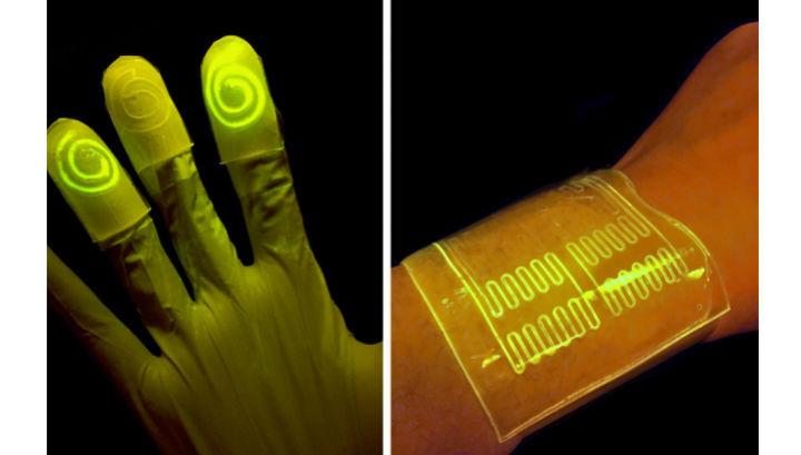 """Перчатки из """"живого материала"""" светятся при контакте с нужными химическими веществами"""