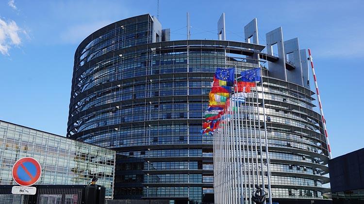 В Европарламенте подтвердили право Каталонии решать свою судьбу демократическим путем