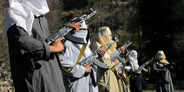 """Россия отвергла обвинения в поставках оружия """"Талибану"""""""