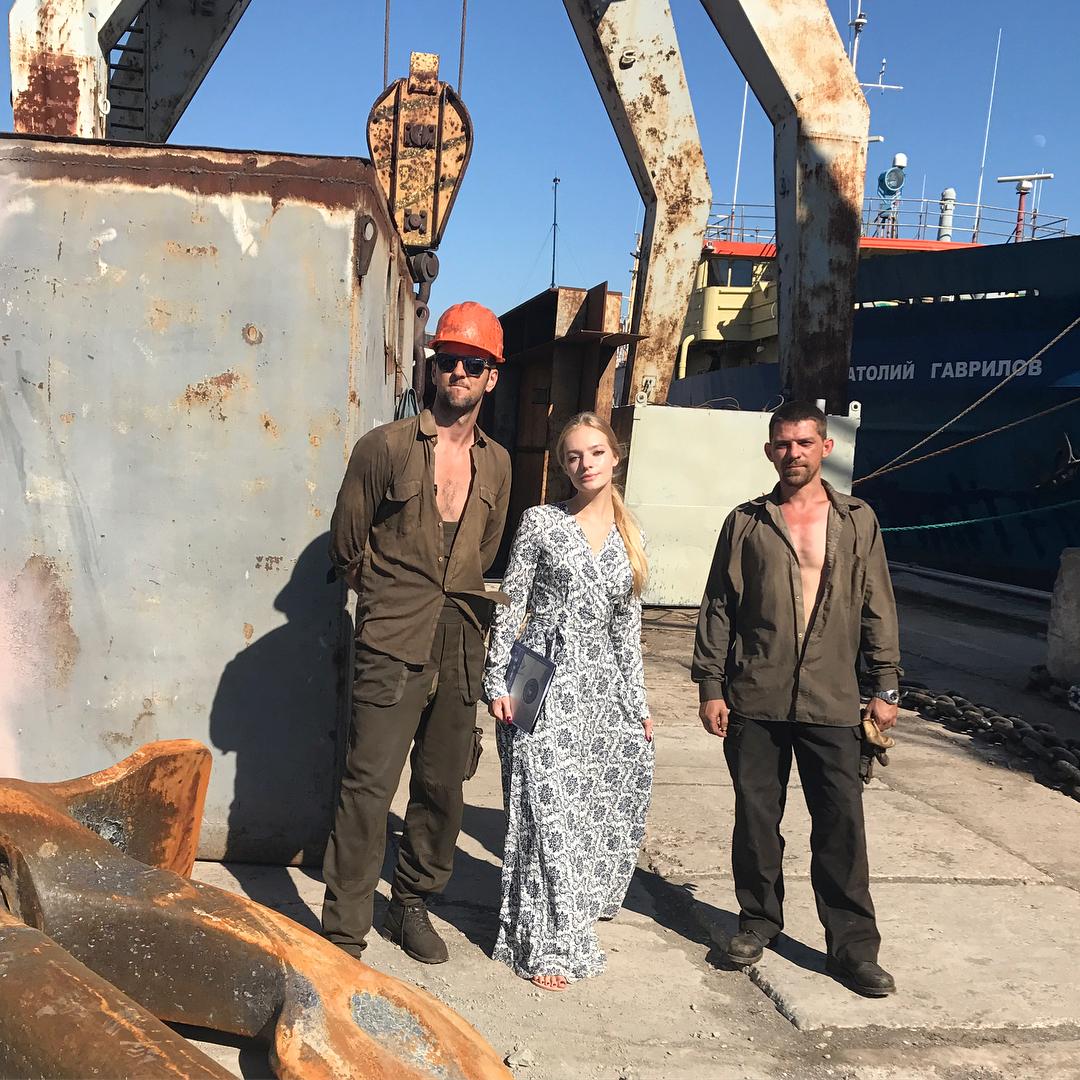 В платье от дочери Кадырова: Елизавета Пескова в Севастополе заявила, что «судостроительству» прежде всего нужен пиар