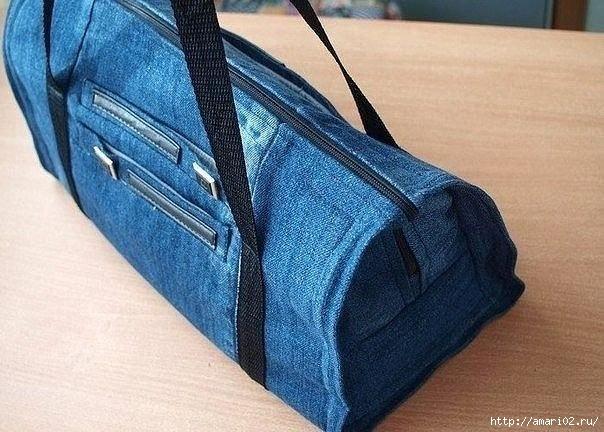 Вот такая вот джинсовая сумка может получиться из самых старых  джинсов
