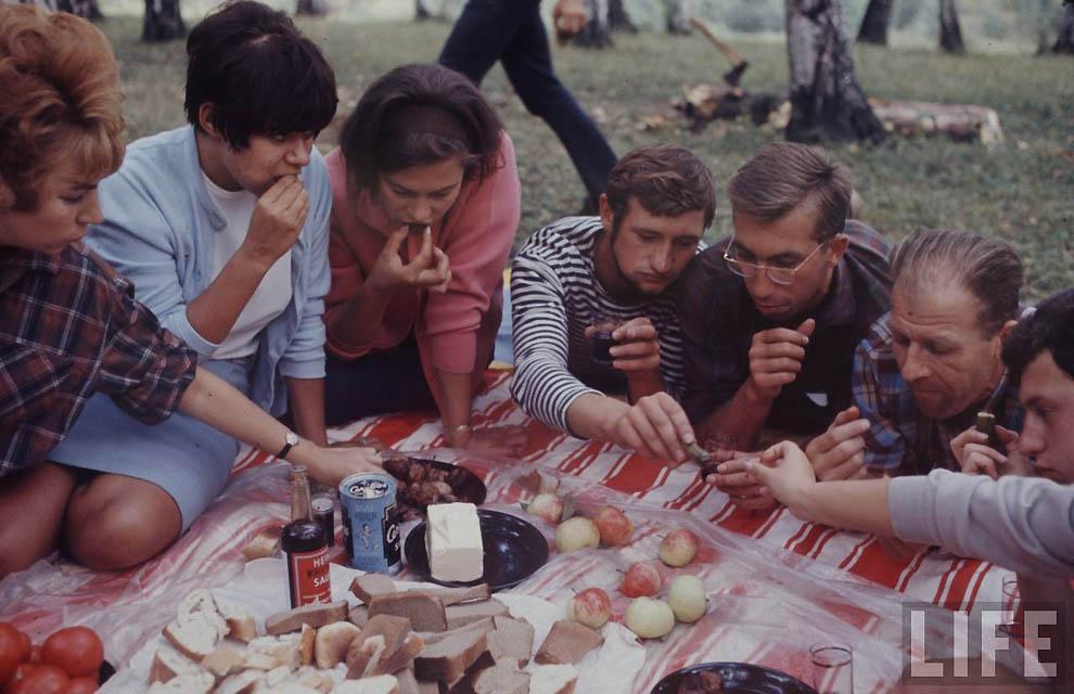 Как жила советская молодёжь в 1967 году. Снимал американский фотограф Билл Эппридж 47
