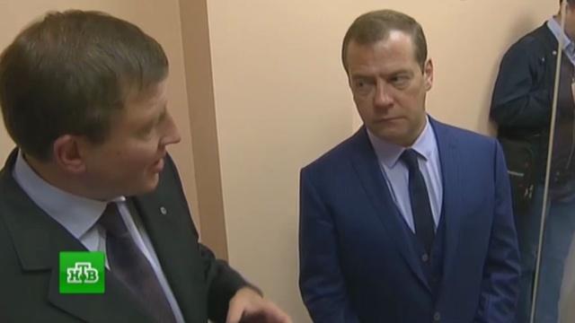 Денег у нас нет,ищите сами: Медведев посоветовал регионам самим зарабатывать деньги