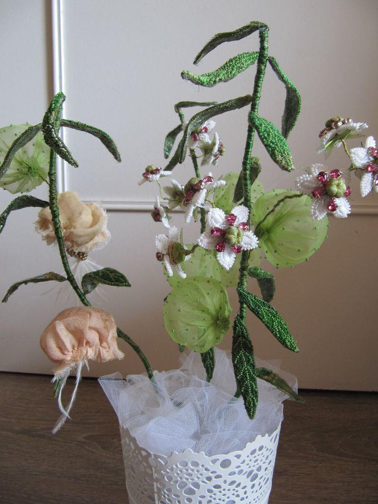 Объемные цветы в различных техниках вышивки от Caroline Gamb
