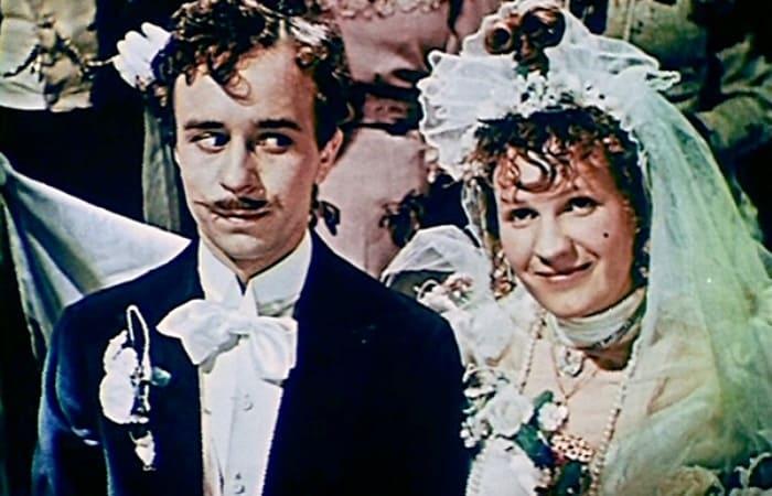 За кадром фильма «За двумя зайцами»: почему роль Прони Прокоповны стала роковой для актрисы