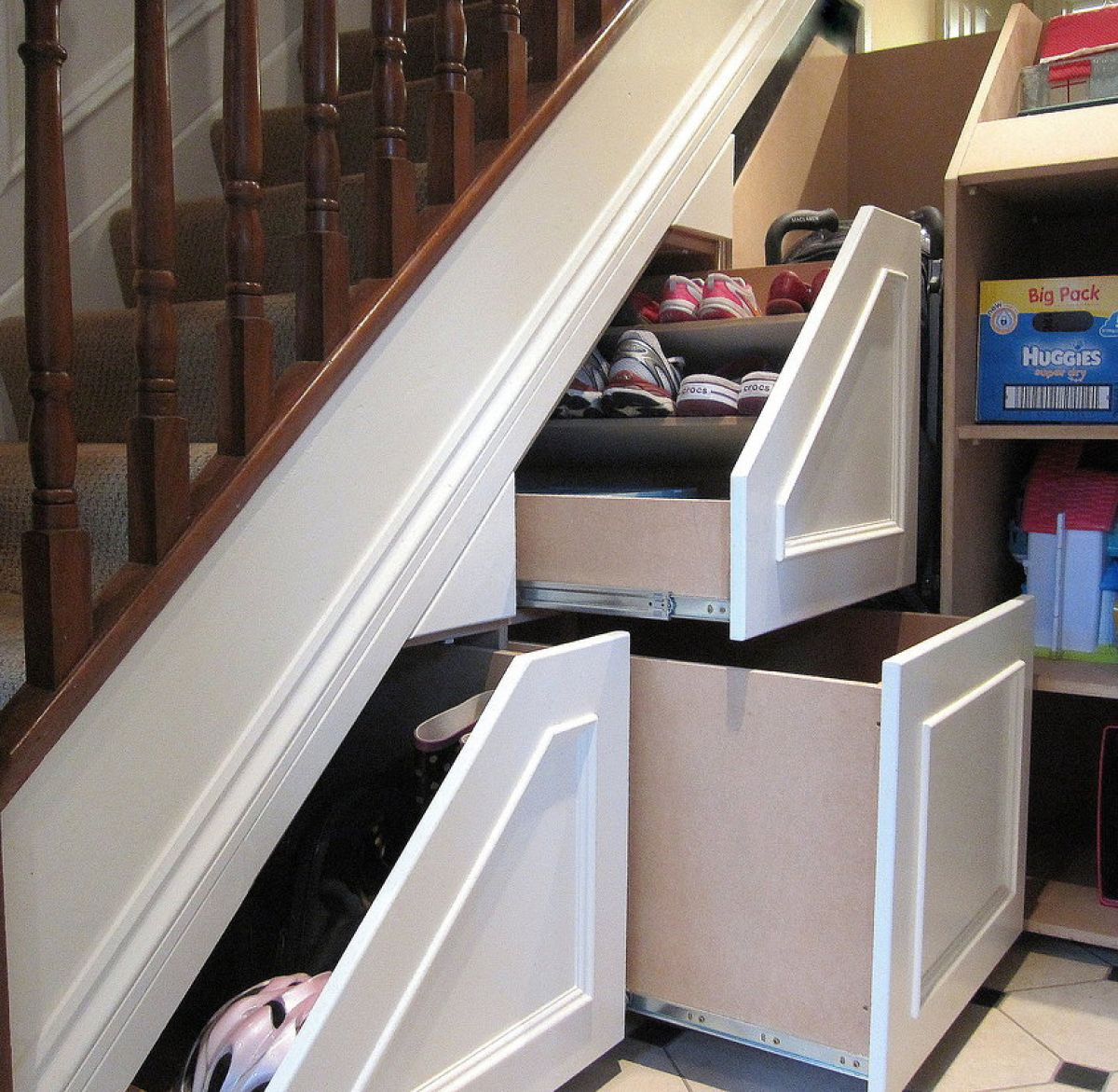 159_18-Space-Saving-Ideas-Perfect-for-Any-Small-Home_0-f (2)